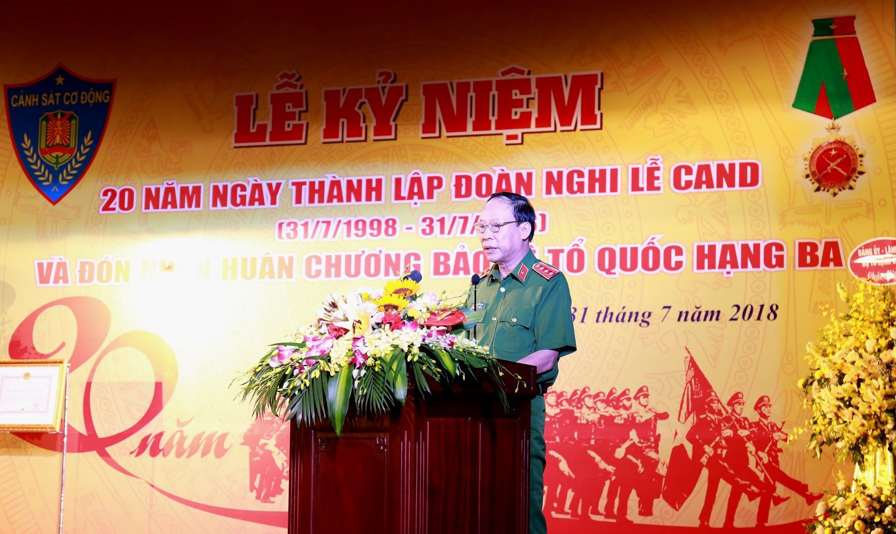 Deputy Minister Le Quy Vuong speaks at the ceremony.