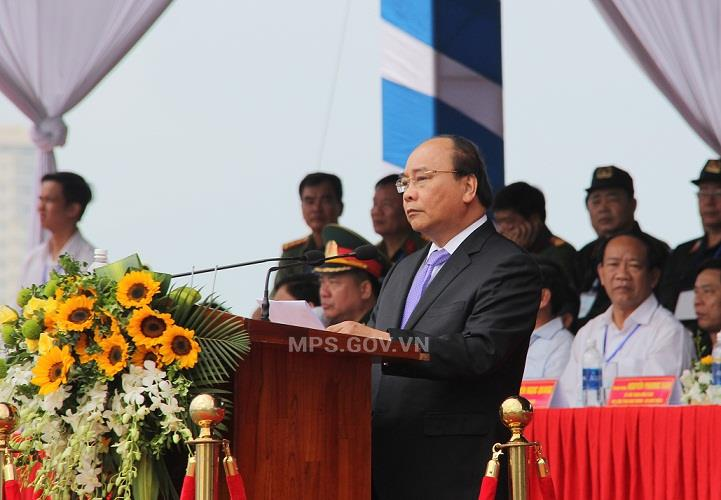 Prime Minister Nguyen Xuan Phuc speaks at the event