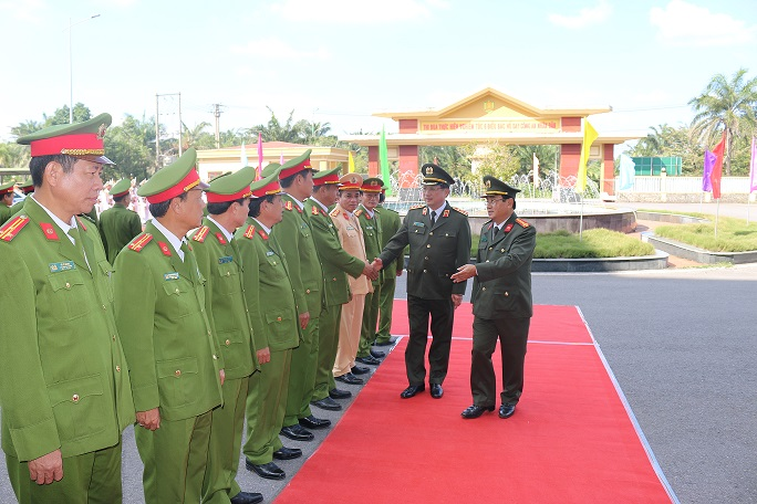 Deputy Minister Nguyen Van Thanh worked with the Quang Tri Provincial Police Department.