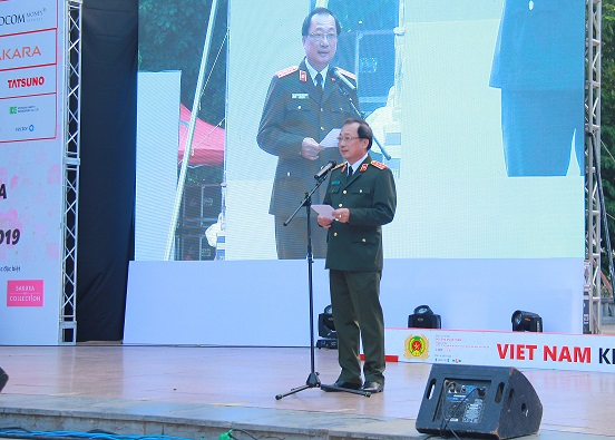 Deputy Minister Nguyen Van Thanh speaks at the opening ceremony.