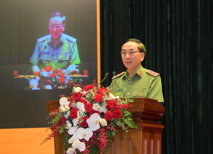 Deputy Minister Tran Quoc To speaks at the conference.
