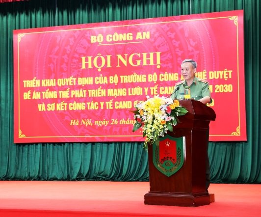 Major General Nguyen Khac Thuy, Director of the MPS's Health Department announces the decision.
