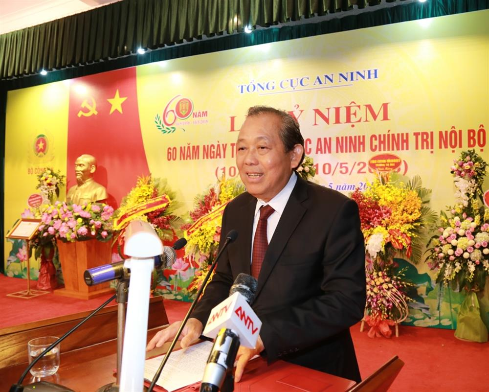 Permanent Deputy Prime Minister Truong Hoa Binh speaks at the event.