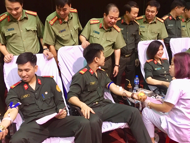 Youths of the Guard Police Command in the blood donation day.