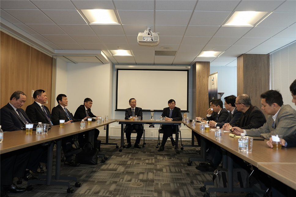 Minister To Lam visits the Vietnamese Permanent Mission to the UN.