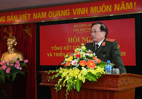 Deputy Minister Nguyen Van Thanh speaks at the event.